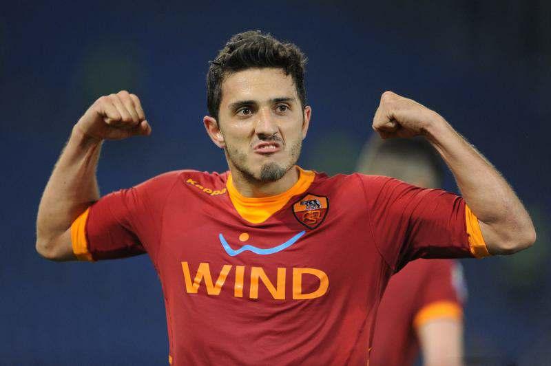 النصر الإماراتي يسعى لضم البرازيلي ماركينهو لاعب روما الإيطالي