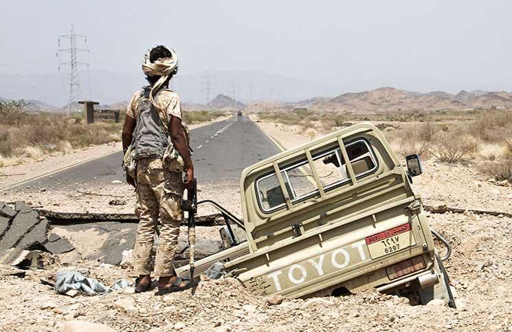 """الحوثيون يقولون إنهم """"أسروا"""" جنديين سعوديين"""