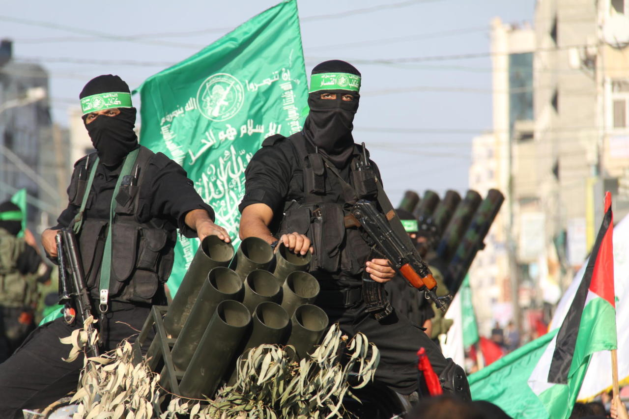 المقاومة بغزة.. الكشف عن جواسيس يعملون تحت غطاء مؤسسات دولية