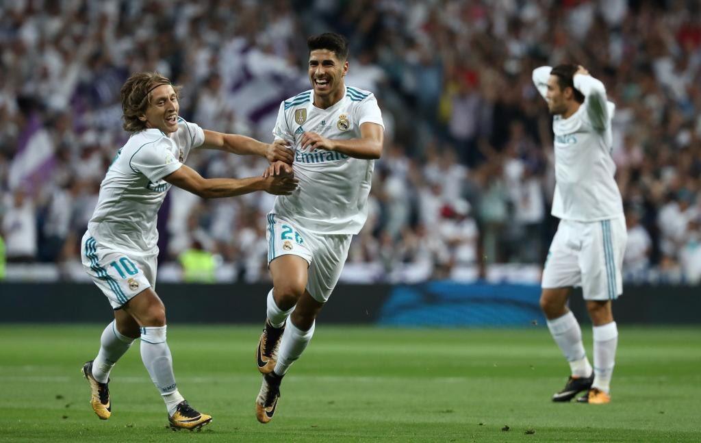 ريال مدريد يقهر برشلونة ويتوّج بالسوبر الإسباني