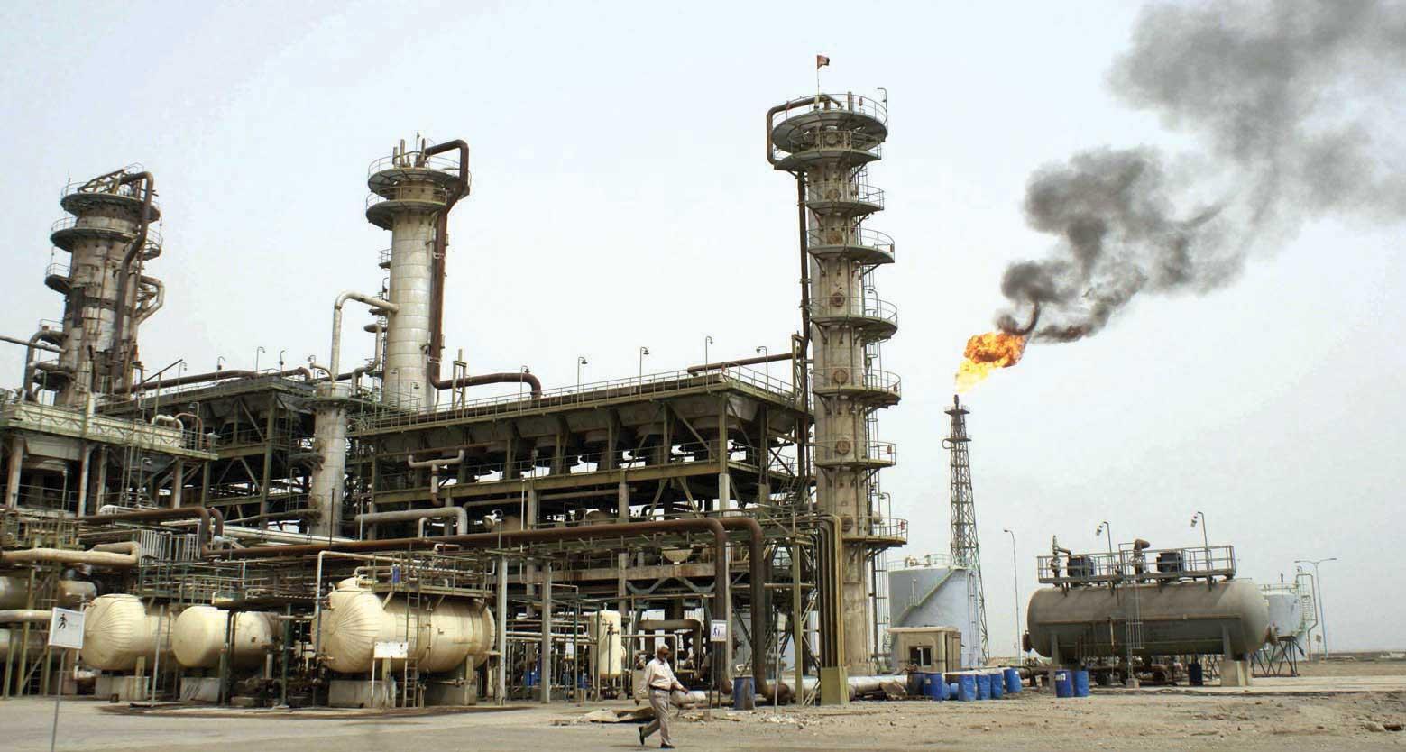 النفط ينهي العام 2015 متراجعاً لحدود 37 دولار للبرميل الواحد