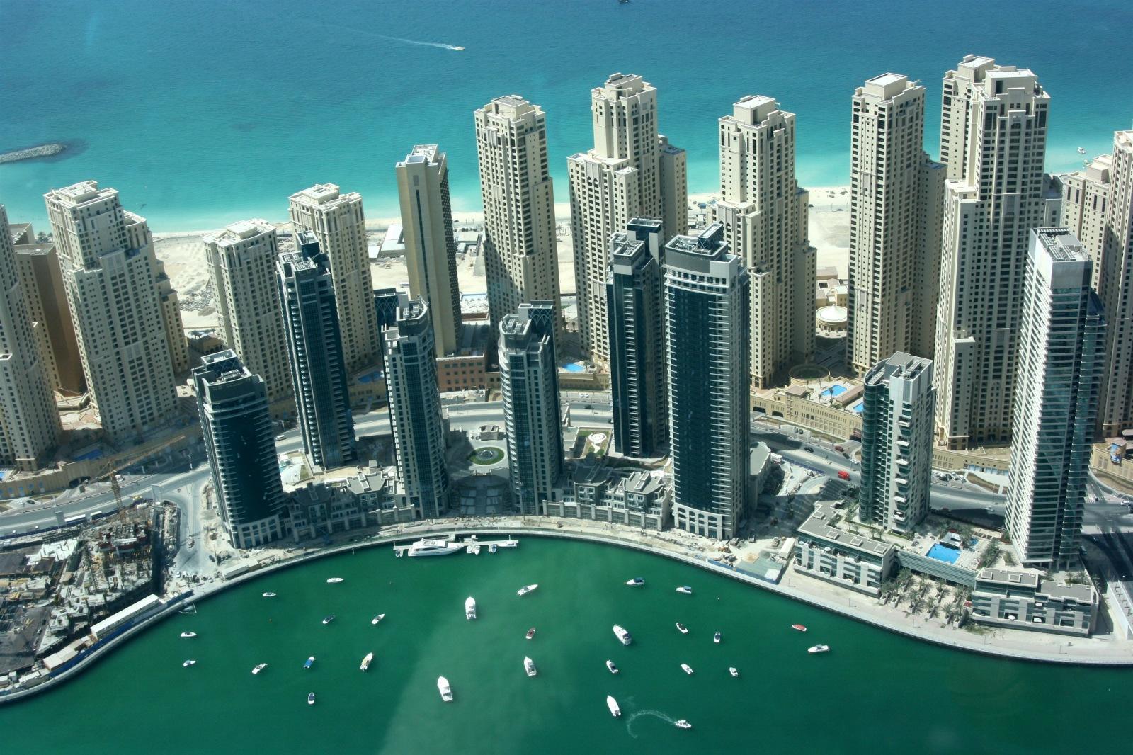 غلاء المعيشة و  الإيجارات  تحديات أمام سكان الإمارات