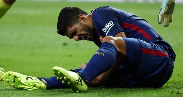 معاناة برشلونة تتفاقم بإصابة سواريز وبيكي