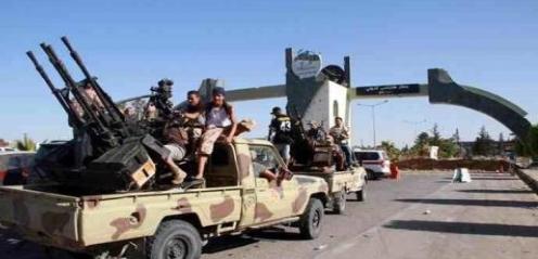 أنباء عن اعتقالات في صفوف الليبيين في الإمارات