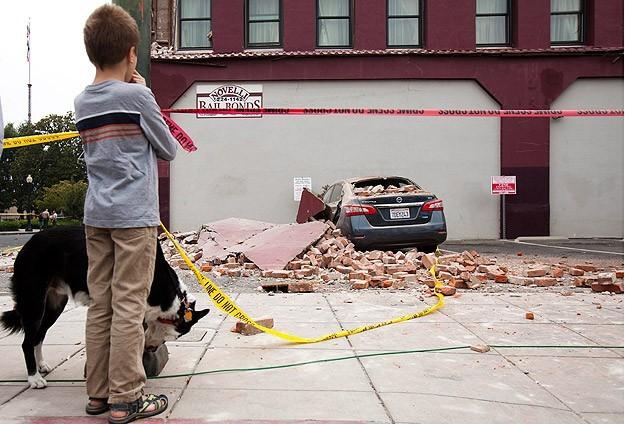 زلزال في ولاية كاليفورنيا الأمريكية بقوة 6 درجات
