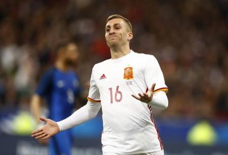 برشلونة يقرر استعادة جهود الجناح ديلوفو من إيفرتون
