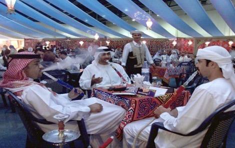 ربع مليون درهم مخالفات المقاهي في دبي خلال فترة العيد