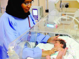 الشارقة تسجل ولادة 472 طفل خدج العام الماضي