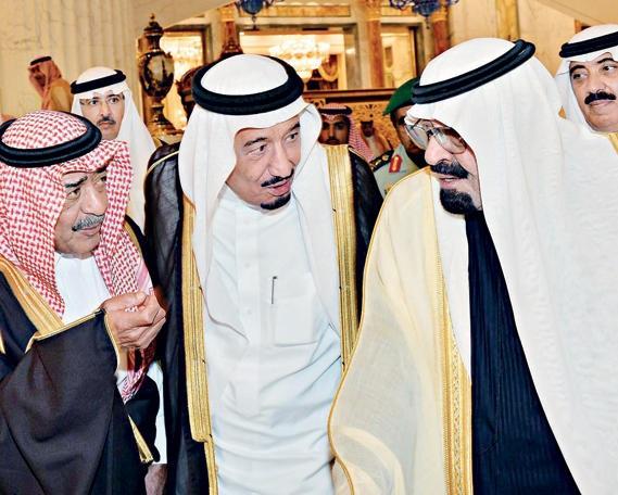 السعودية: وفاة الملك عبدالله ومبايعة سلمان ملكاً ومقرن ولياً للعهد
