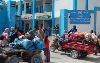 نصف مليون فلسطيني نازح عن بيوتهم جراء استمرار العدوان على غزة