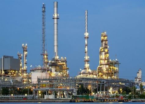الإمارات تؤكد توسعها في مشروعات النفط.. والاحتياطيات تكفى لـعامين