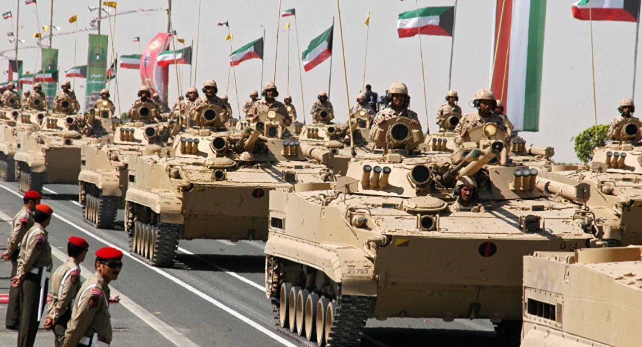 برلمان الكويت يوافق على قانون قبول الأجانب بالجيش