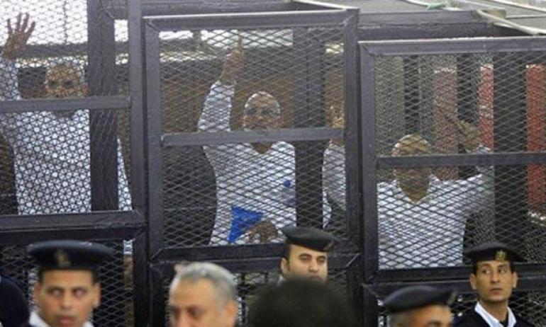 حكم جديد بالمؤبد لمرشد الإخوان و14 من القيادات في مصر