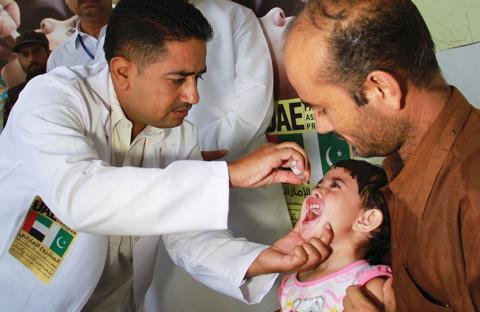 تطعيم ثلاثة ملايين طفل باكستاني ضد شلل الأطفال