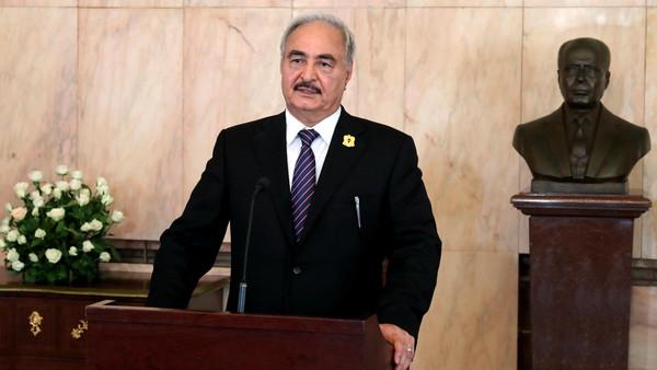 صحيفة ليبية: حفتر زار أبوظبي سرا خلال اليومين الماضيين