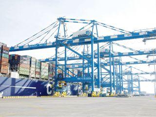 نمو تجارة أبوظبي غير النفطية 5.9 % في الربع الأول من 2014