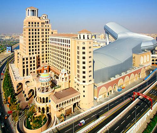 مول الإمارات يفتتح 1300 موقف سيارات جديد في الطابق الرابع