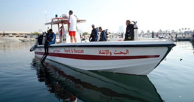 الإنقاذ البحري في دبي يسترد طقم أسنان و خاتم زواج فقدها أصحابها