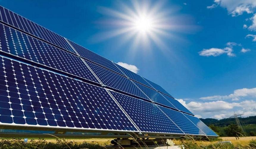 الكويت تنشئ 100 محطة وقود تعمل بالطاقة الشمسية