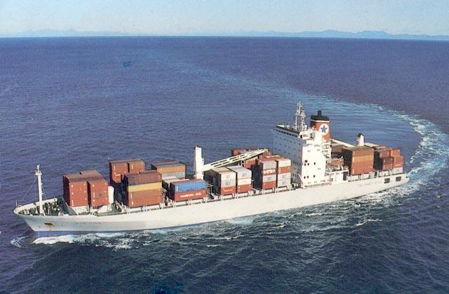 الخدمات البحرية:61 مليار دولار سنوياً و 15% منها فقط داخل الدولة