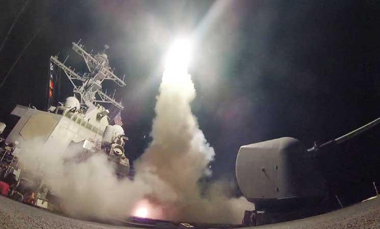 دمار شبه كامل في قاعدة عسكرية تستخدمها إيران بعد الضربة الأمريكية