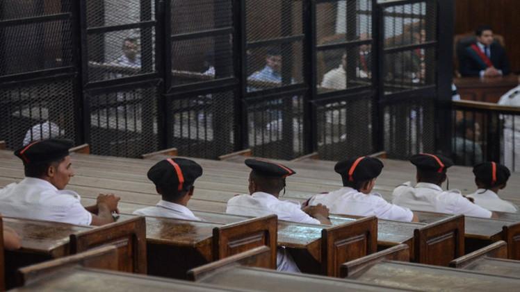 الإعدام لسبعة إسلاميين اتهموا في قضية مقتل ضابط شرطة في مصر