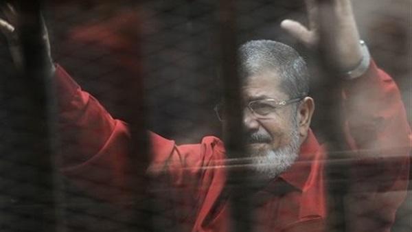 سلم الجزائرية تدعو الرئيس بوتفليقة التدخل لمنع إعدام مرسي