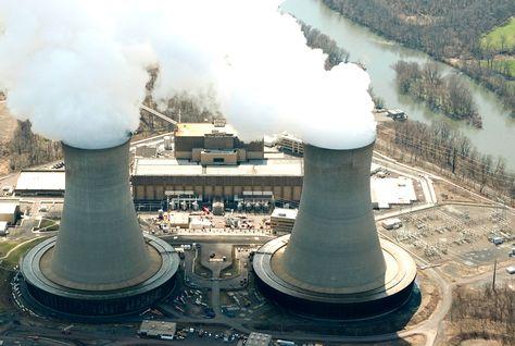 فاينانشيال تايمز: سلمان ينفذ أحد أكبر برامج الطاقة النووية في العالم