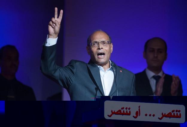 المرزوقي يدعو شباب تونس إلى الدفاع عن المساري الثوري بانتخابه