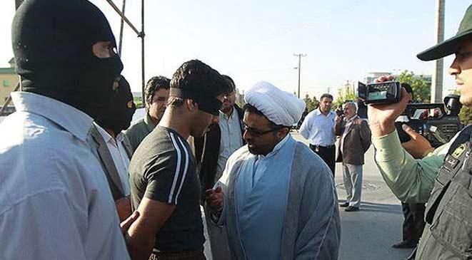 إيران تحكم بالإعدام على 3 من الأحواز بعد اتهامهم بأنهم مفسدون بالأرض