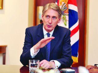 وزير الدفاع البريطاني يجدد التزام بلاده بأمن الخليج