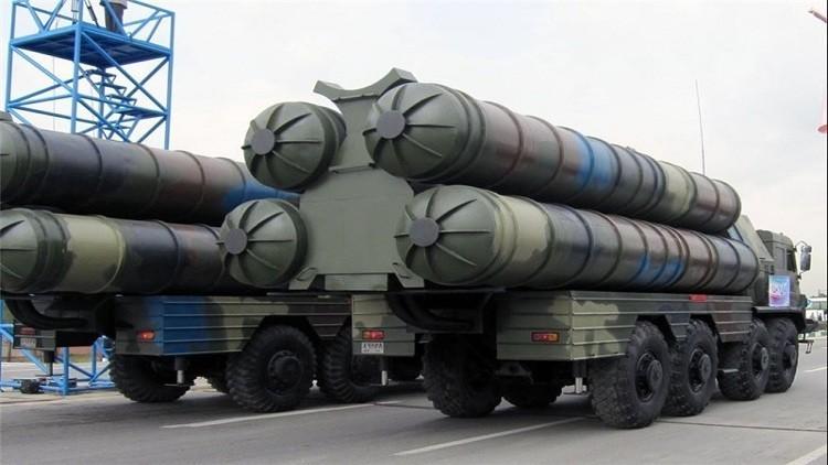 طهران تعرض إس-300 من صناعاتها الحربية