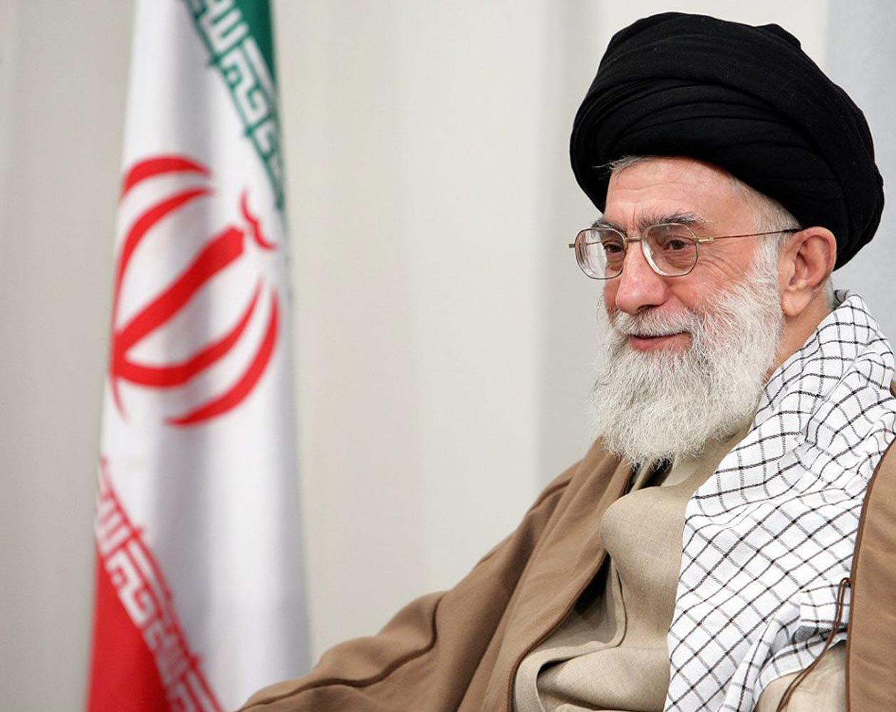 هآرتس: الاتفاق النووي اعتراف بـشرعية ولاية الفقيه والثورة الإيرانية