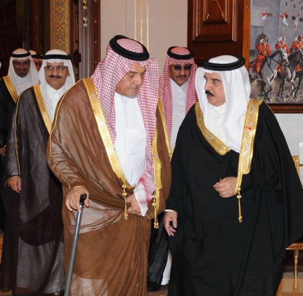 بعد زيارة الدوحة والمنامة .. الوفد السعودي يصل أبو ظبي