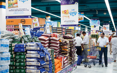 مع بداية رمضان .. أسواق الدولة تشهد إقبالاً كبيراً من المستهلكين