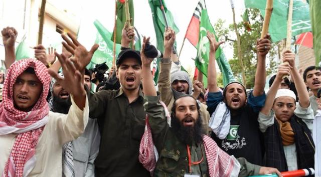 هل يخشى شيعة باكستان من إشعال عاصفة الحزم للعنف في بلاهم؟