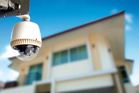 130 مدرسة حكومية في أبوظبي تخضع لمراقبة الكاميرات وفلترة الانترنت