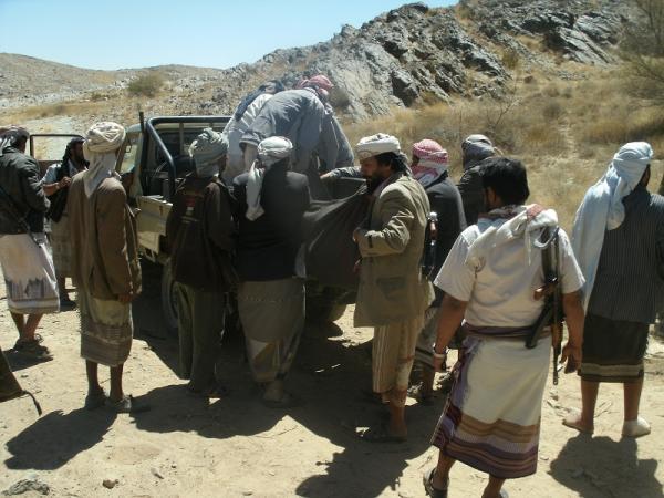 مقتل 40 حوثيا بمعارك مع القبائل وسط اليمن