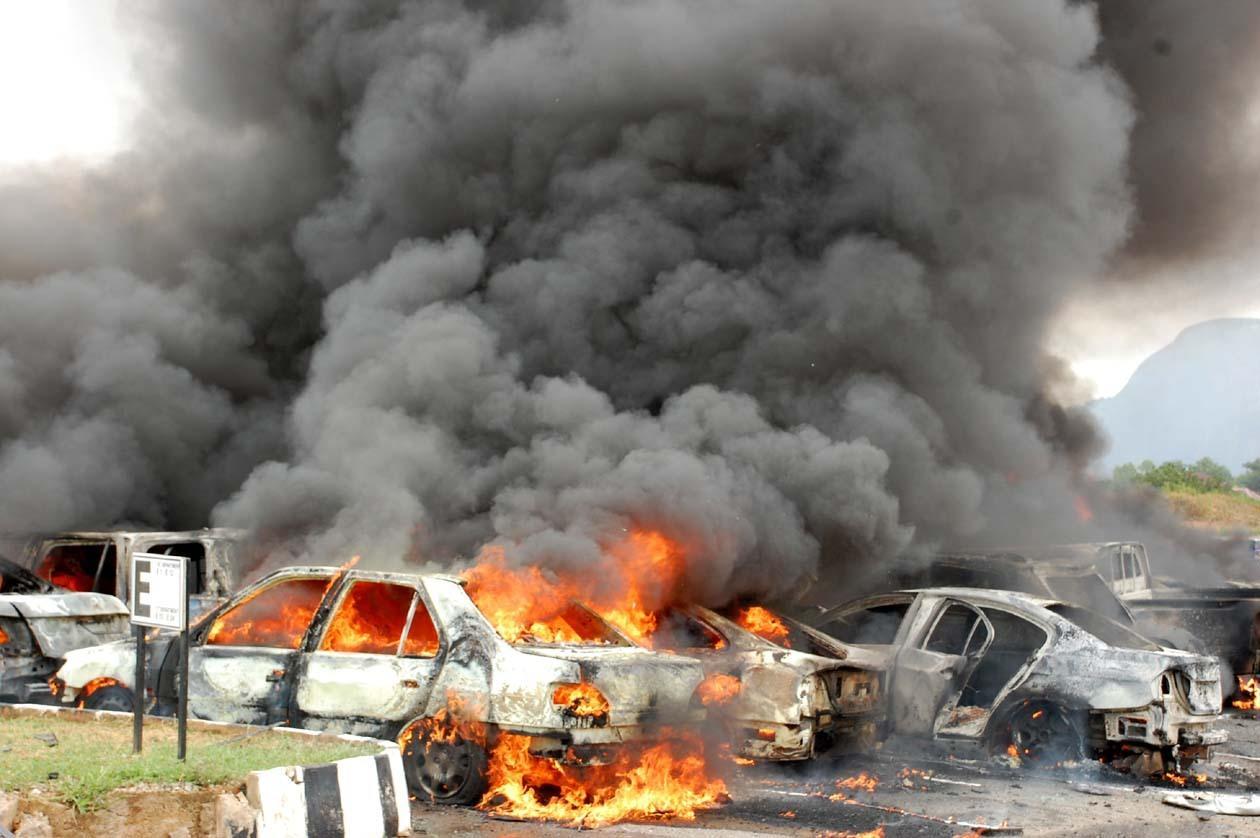 عشرات القتلى والجرحى بتفجيري بغداد.. وداعش يتبنّى