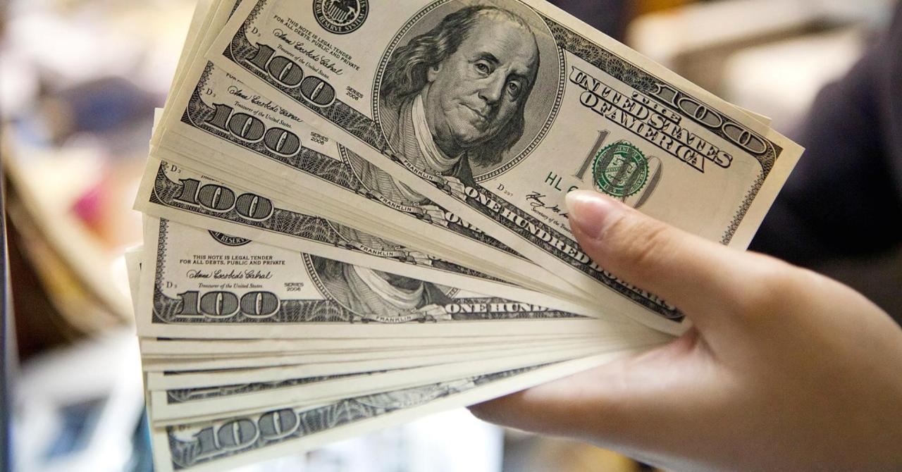 الدولار يتماسك بعد تضرره من بيانات تضخم مخيبة للآمال
