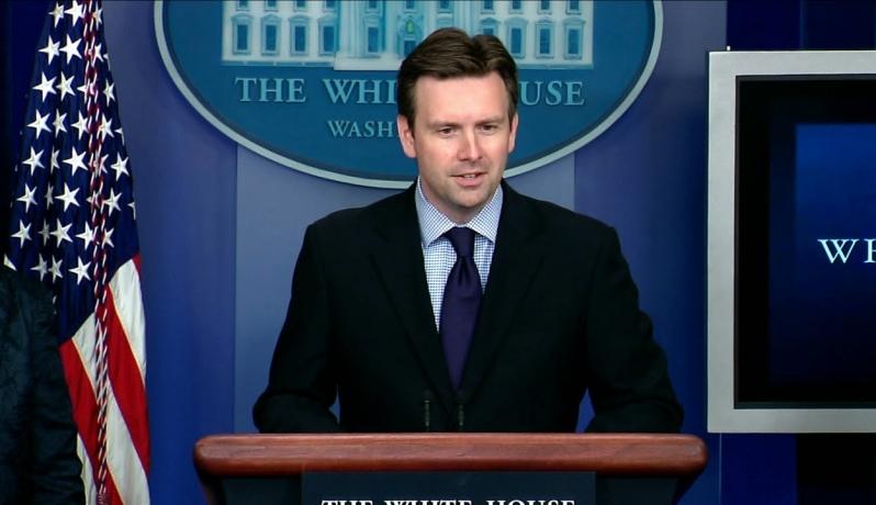 البيت الأبيض يدعو دول العالم بما فيها العربية للمساعدة بأزمة اللاجئين