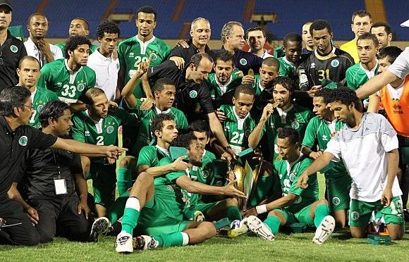 الشباب الإماراتي يتأهـــــب للقب الخليجي أمام السيب العُماني