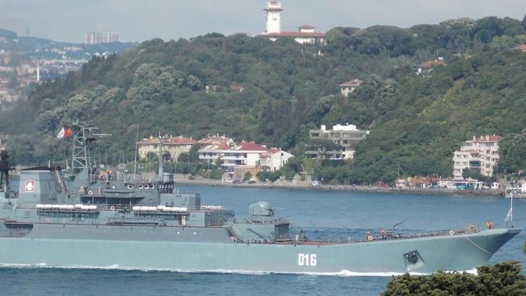 سفينة إنزال روسية تدخل مياه المتوسط حاملة أسلحة إلى سوريا