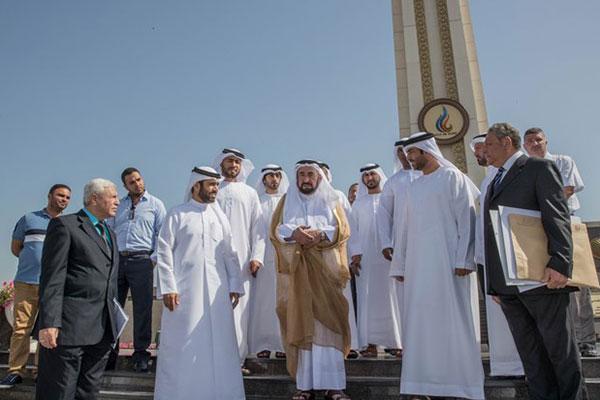 حاكم الشارقة يدشن نصب «عاصمة العرب الثقافية» في موقعه الجديد