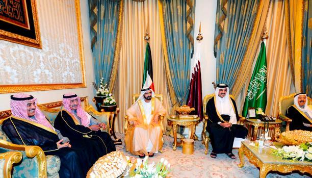 وول ستريت جورنال تتناول أسباب عودة السفراء إلى الدوحة