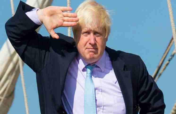لندن تلمح إلى القبول ببقاء الأسد في السلطة