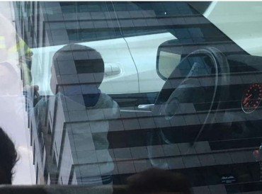 أبوظبي.. الشرطة تنقذ طفلاً ترك بمفرده داخل مركبة بالبطين