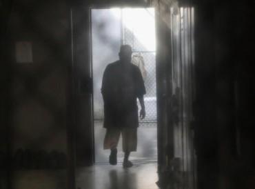 تأجيل ترحيل سعودي من سجن غوانتانامو إلى موعد غير محدد