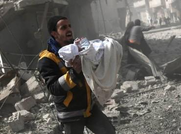 """""""غارديان"""": الغوطة الشرقية مثل سربرينتشا البوسنة تواجه الذبح والعالم يتفرج"""