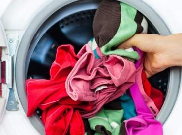 لهذا الأسباب يجب غسل الملابس الجديدة قبل ارتدائها